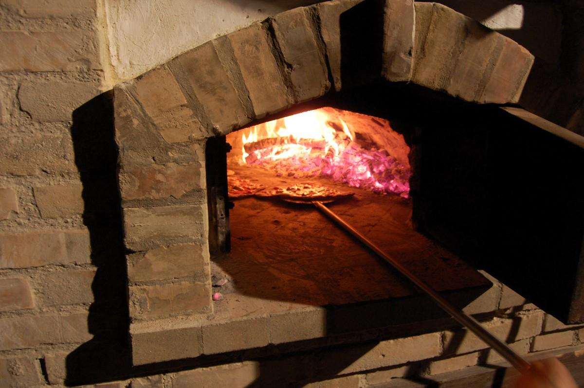 costruire un forno a legna in mattoni abitare